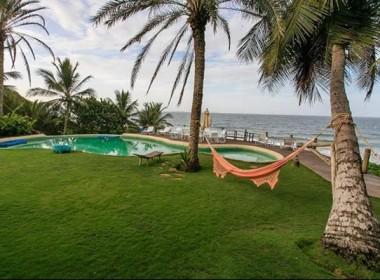 SHABONO piscina y mar